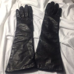 Long dress black gloves/ Lord & Taylor/France
